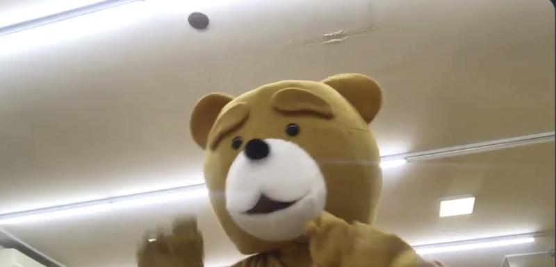 熊の着ぐるみ